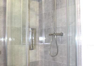 Lodge 1 Shower